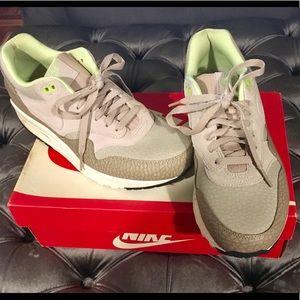 Nike Air Max 1 Prem M-8 /12  W 10